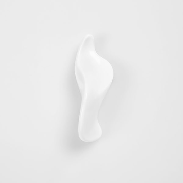 SCULPTURE MARIA 3.15 In. WHITE RESIN & MARBLE POWDER