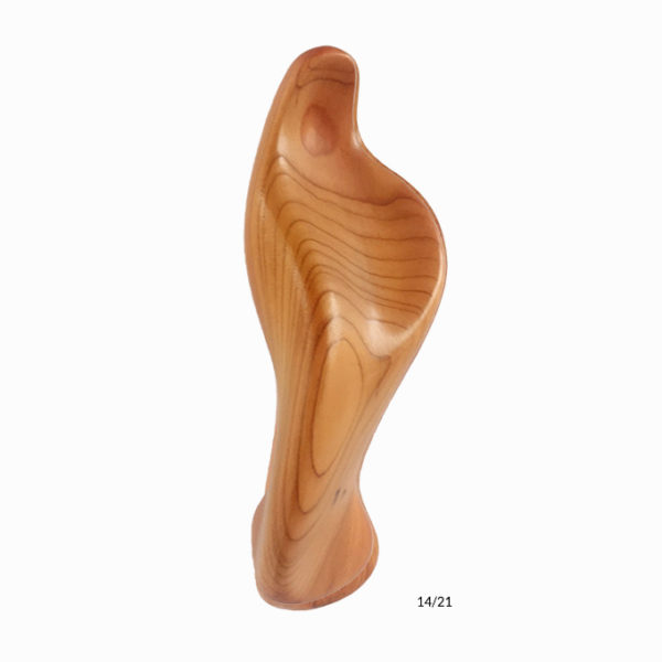 the-handheld-icon-maria-5.5-in-height-carved-in-centenary-brock-wood-3
