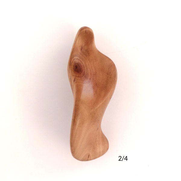the-handheld-icon-maria-3-in-height-carved-in-myrtle-wood-2