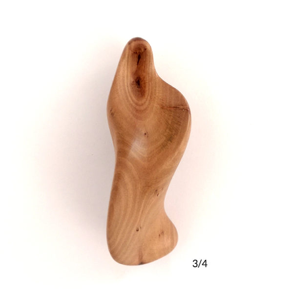 the-handheld-icon-maria-3-in-height-carved-in-myrtle-wood-3