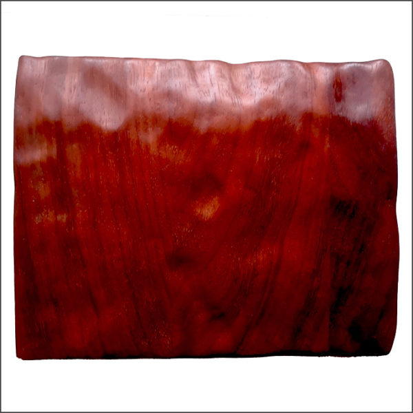 hand-pad-relief-carved-on-padauk-wood-unicum-2