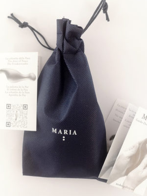 flyer-of-the-artwork-maria-cast-in-white-resin-5.5-inches-and-bag-blue-color