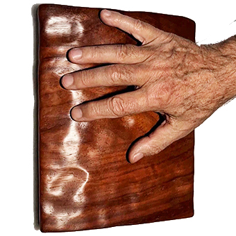 hand-pad-relief-carved-on-padauk-wood-unicum-3