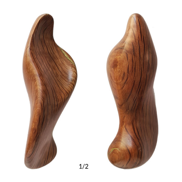 front-and-back-image-of-the-reproduction-mary-limited-edition-number-1/2-carved-in-oak-wood